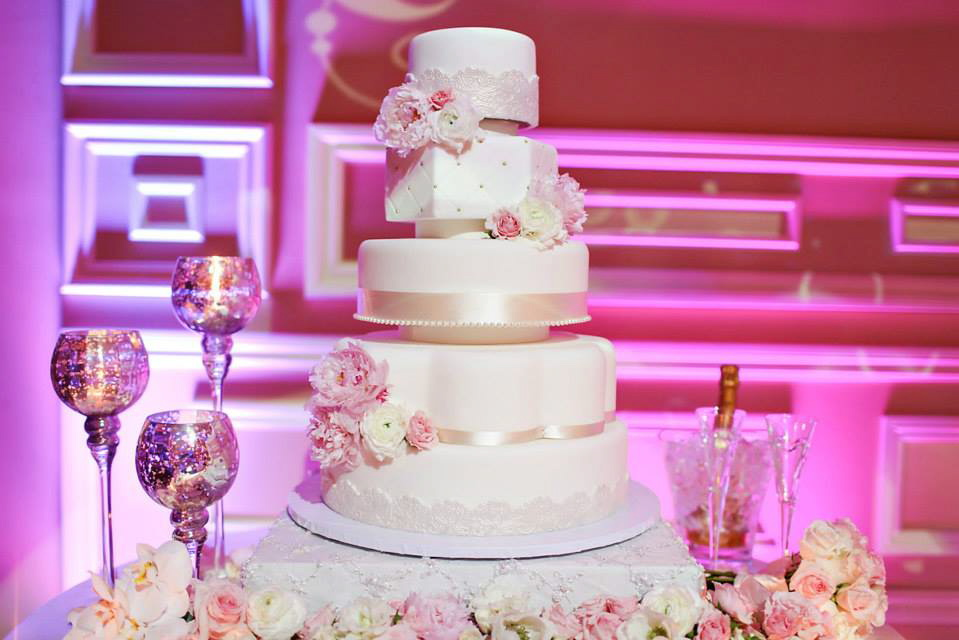 Nien and Nguyet's Wedding Cake - Taglyan Complex