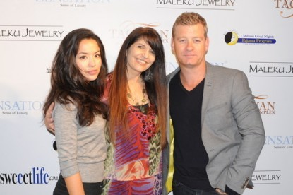 Event producer Kathy Duliakas (center) with Revenge's Stephanie Jacobsen and Castle's Nic Bishop