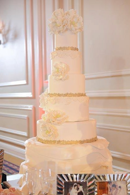 Narguess and Vahid's Wedding Cake - Taglyan Complex